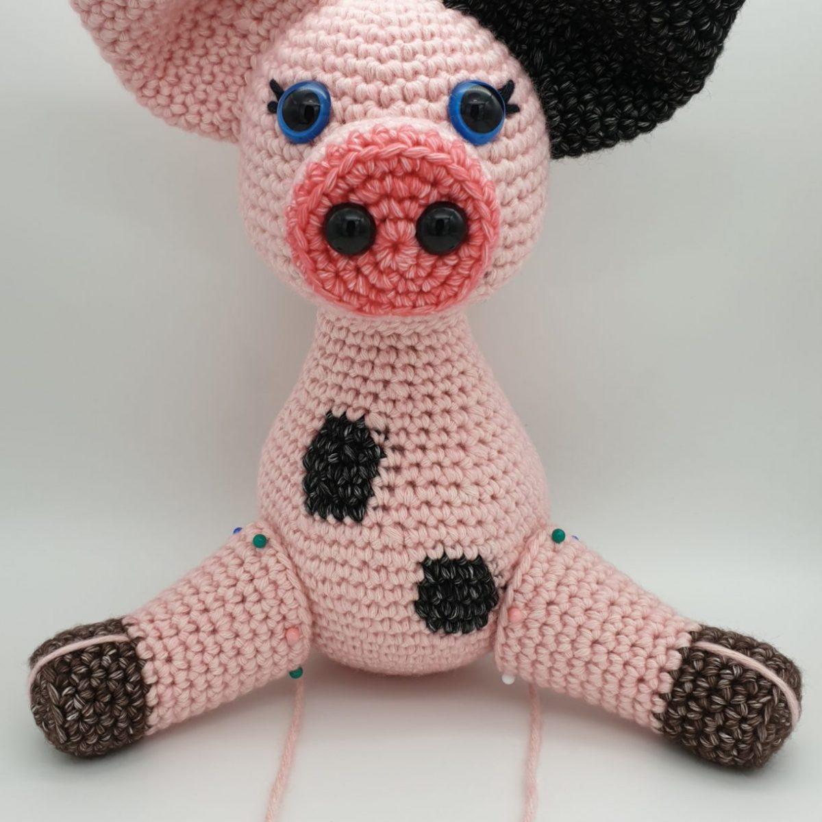 Adorable Crochet Along Pig [FREE Pattern + Video Tutorial] | 1200x1200